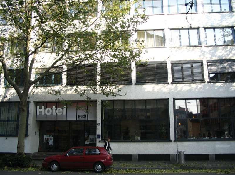 x tra hotel