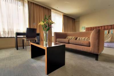 818 suites