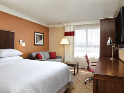 four points by sheraton waterloo - kitchener hotel