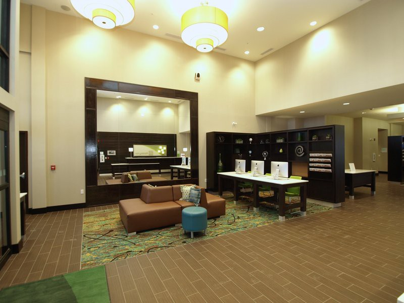 holiday inn hotel and suites edmonton airport - co
