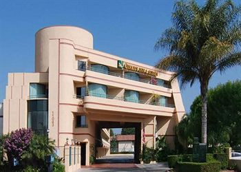 quality inn & suites riverside