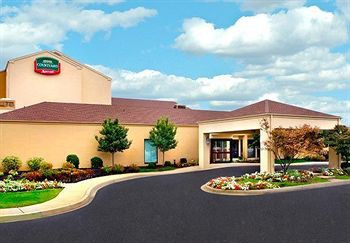 courtyard by marriott wilmington newark / christia
