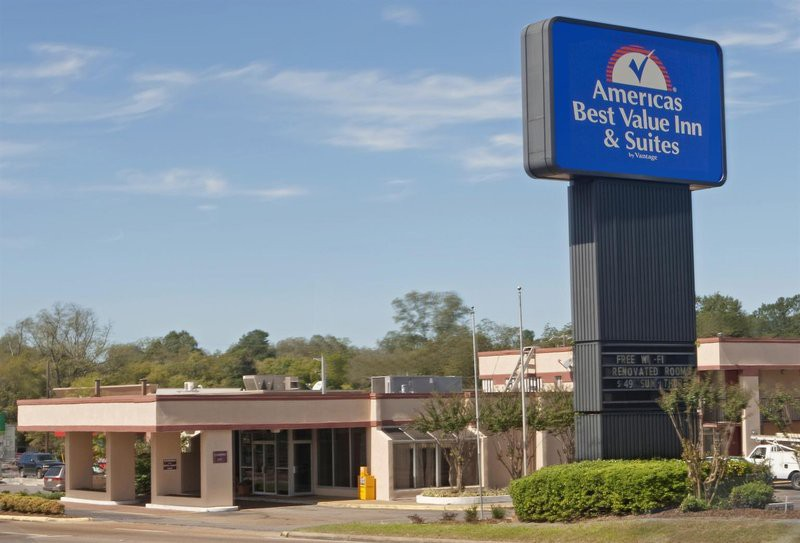 americas best value inn & suites-starkville