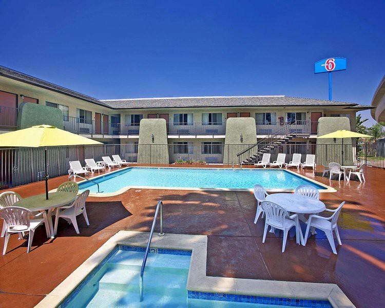 motel 6 redlands, ca