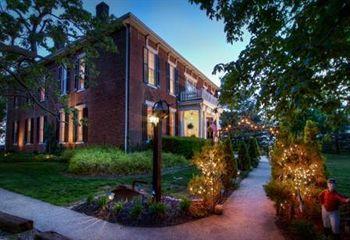 1851 historic maple hill manor b&b