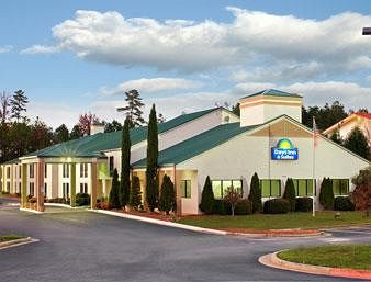 days inn & suites atlanta ne/ technology park