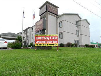 luxury inn & suites