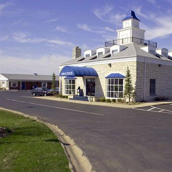 rockford alpine inn and suites