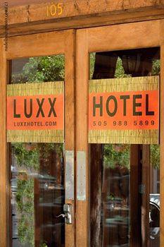 luxx plaza hotel
