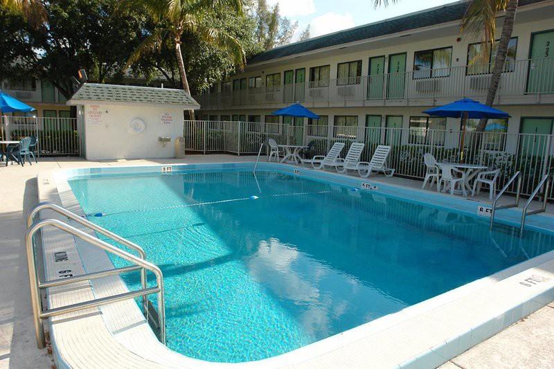 motel 6 pompano beach