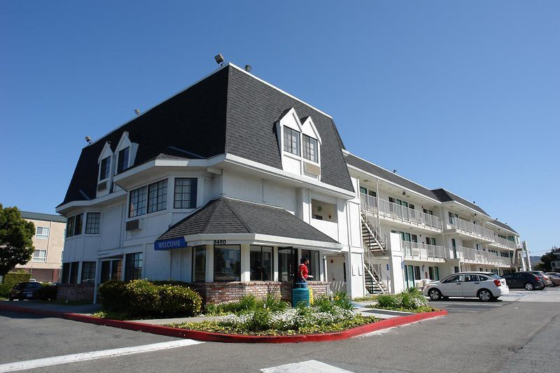 motel 6 oakland airport