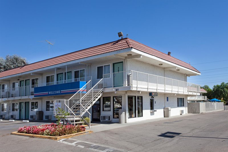 motel 6 stockton - charter way west