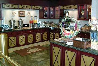 hampton inn & suites toronto airport