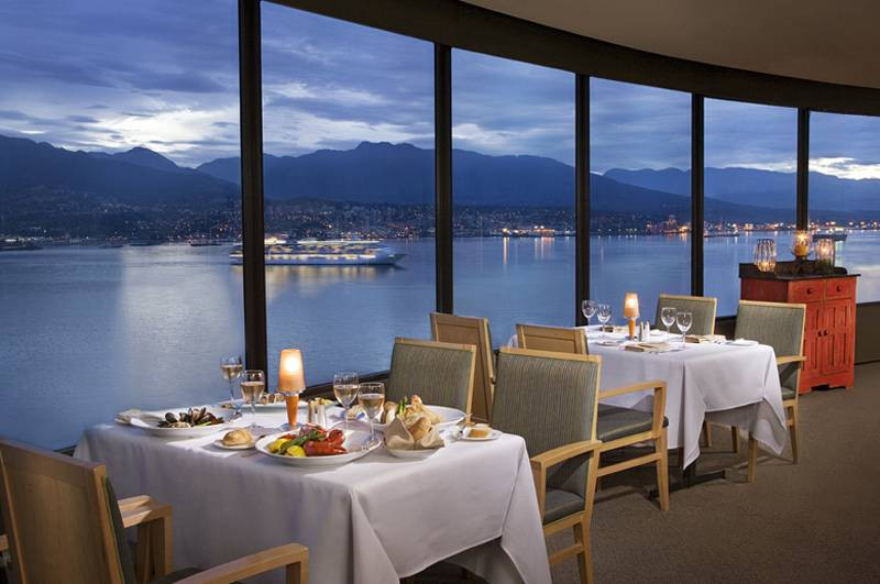 pinnacle hotel vancouver harbourfront (formerly: r
