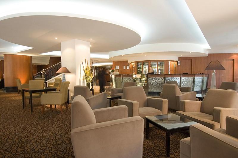 rendezvous grand hotel adelaide