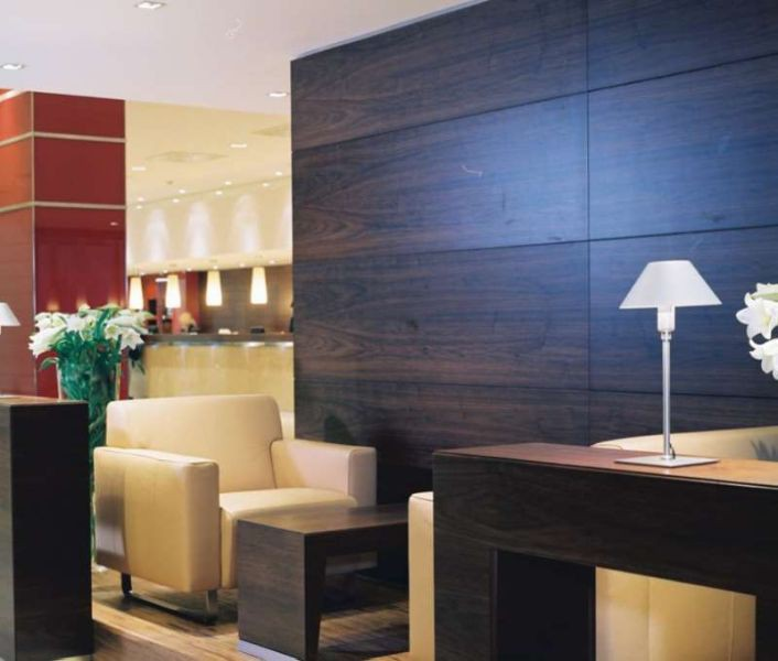 nh vienna airport hotel