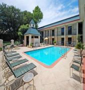 quality inn and suites addison
