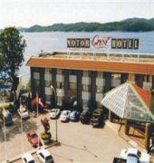 crest hotel