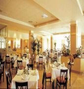 grupotel macarella suites & spa hotel