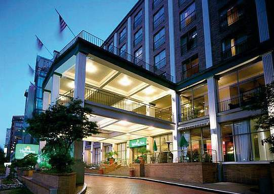 holiday inn hotel  and suites vancouver downtown