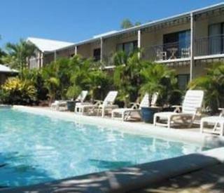 comfort inn & suites trinity beach club