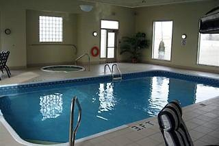 lakeview inn & suites - brooks