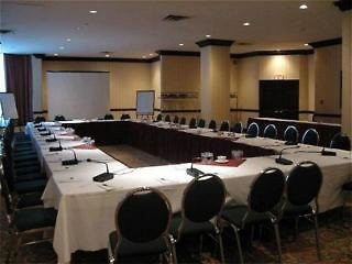 holiday inn hotel & suites downtown ottawa