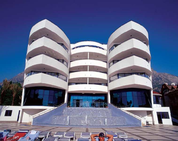 catamaran resort hotel