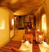 canela cave hotel
