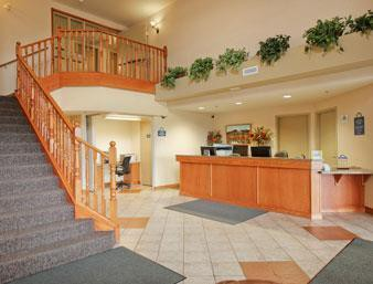 days inn and suites - thompson