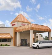 ramada hotel and suites sioux falls airport