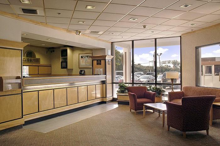 days hotel newark airport