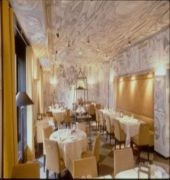 small luxury hotel ambassador a l'opera zurich