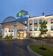 holiday inn exp dieppe airport