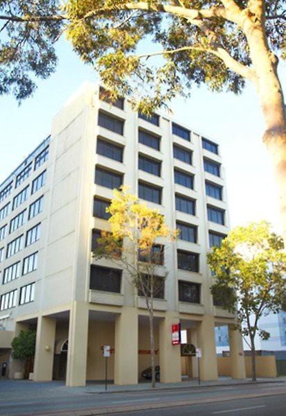 perth ambassador hotel