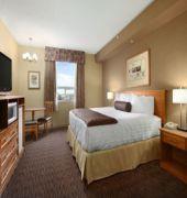 days inn and suites west edmonton