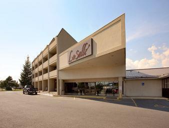 travelodge kingston lasalle hotel