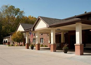 Book Quality Inn & Suites Decorah La Crosse - image 0