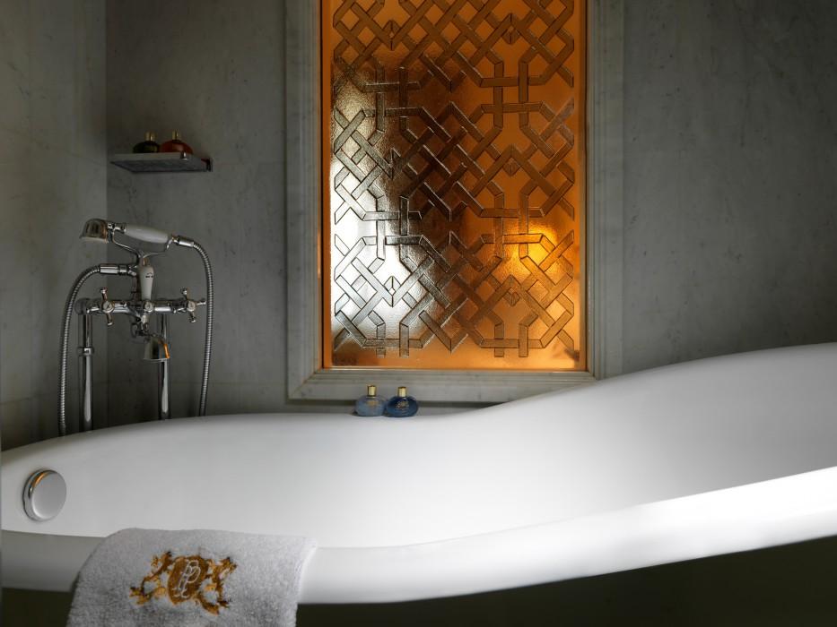 Deluxe Room - Bath tub_12