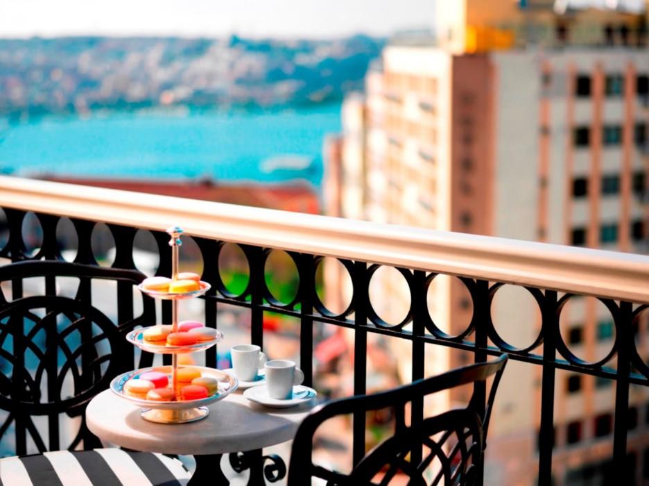 Deluxe Golden Horn View Room Balcony_9