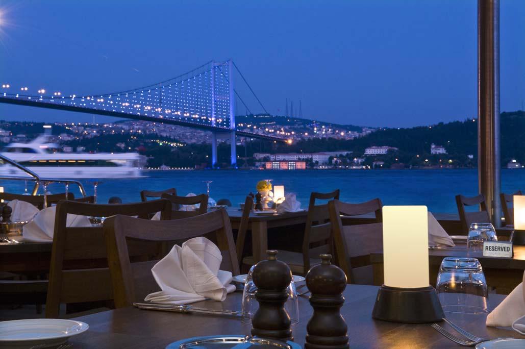 Restaurant at Night_13