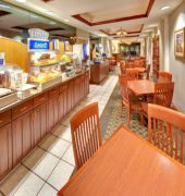 Book Holiday Inn Express Cedar Rapids (Collins Road) Cedar Rapids - image 3