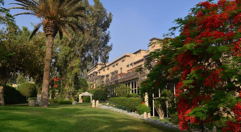 MENA HOUSE HOTEL  (Formerly Mena House Oberoi)